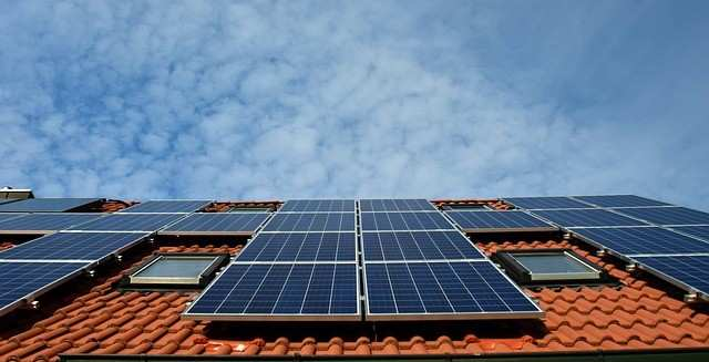 Проучване показва, че енергията, произведена от покривни панели може да захранва 25 % от ЕС